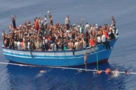 العيون .. توقيف خمسة أشخاص يشتبه في ارتباطهم بشبكة إجرامية تنشط في تنظيم الهجرة غير الشرعية والاتجار بالبشر