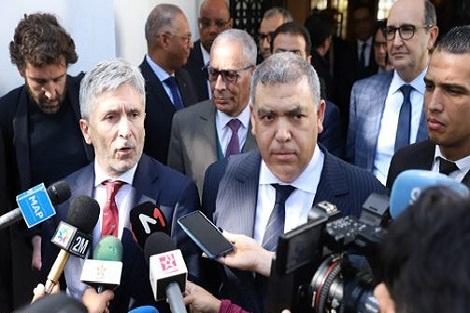 وزير الداخلية الإسباني يشيد بالتعاون بين بلاده والمغرب في مجال محاربة الهجرة السرية والإرهاب