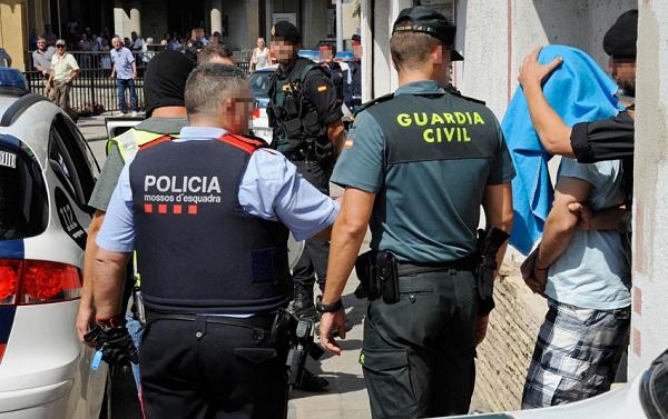تفكيك شبكة إسبانية متخصصة في الهجرة السرية وإلقاء القبض على 20 متهما